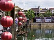 Vietnam: romantica turistica) città delle lanterne