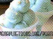 Gelato allo yogurt azzurro