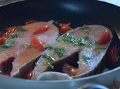 Tranci salmone padella pomodorini vino bianco
