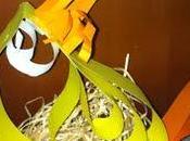 Decorazioni Pasqua: gallina porta ovetti fatta solo carta puntatrice