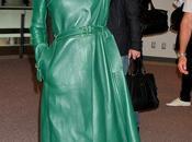 Lady Gaga tutta verde Valentino atterra Giappone