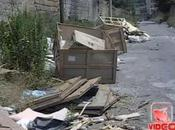 Napoli Rifiuti, cumuli aumento strada (12.07.11)