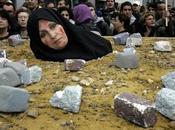 iran esiste lapidazione donne commettono adulterio