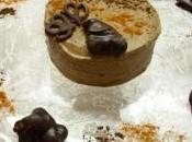 Semifreddo mandorle peperoncino accompagnati cioccolatini piccanti