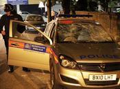 Ancora scontri Londra. Anche giocatori della Nazionale Poliziotti.