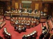 manovra arriva senato, solo senatori presenti