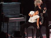 Brian Lady Gaga danno spettacolo agli Awards 2011