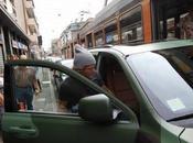 Milano pere: Lapo Elkann blocca tram
