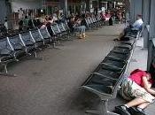 Dormire aeroporto racconti divertenti