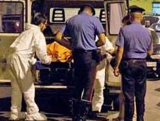 Torino: balconi assistono delitto strada
