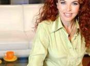 """Paola Saluzzi presenta morning show """"Buongiorno Cielo"""""""
