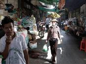 Passeggiando phnom penh