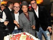 Bruno Mars festeggia Dolce&Gabbana; Gold: party