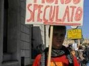 protesta contro stessi