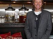 """Jovi Apre ristorante solidale """"The Soul Kitchen"""" (video)"""