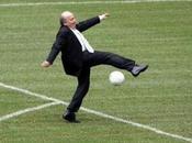 alla Fifa continua blatterare