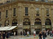 Apple Store Centro Milano Battaglia Prada Gucci