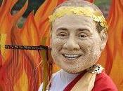 """Esce vero amore"""", l'ultimo Berlusconi&Apicella.; L'Italia festa, esaurite poche vesti suora divise infermiera"""