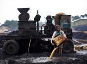 Sfruttamento minorile India foto bambini anni miniera