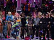 Victoria's Secret Fashion Show 2011 Video Backstage Performance Nicki Manaj, Kanye West Maroon