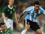 Lavezzi salva l'argentina cavani straripante l'uruguay