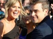 Robbie Williams sposa Beverly Hills. Assenti Take That accordo prematrimoniale blindato.