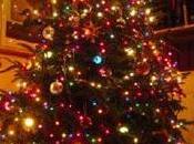 crisi accorcia l'albero Natale.