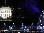 -24: Obama accende l'albero Natale della Casa Bianca