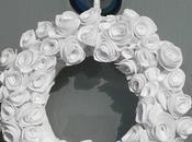 Lavoretti natale: ghirlanda rose bianche.