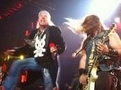 Guns'n'Roses Zakk Wylde raggiunge palco cover degli Ac/Dc (video)