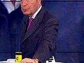 Bruno Vespa modellino della crociera Costa