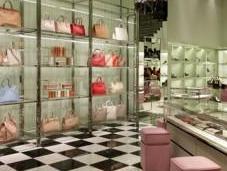 Prada inaugura nuova boutique Padova ristruttura Prosdocimo