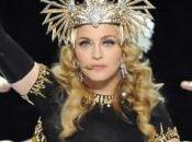 gaffe Madonna Superbowl:ma Cleopatra sarà inciampata?;