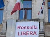 """Sassari Palazzo Ducale campeggia striscione """"Rossella libera"""""""