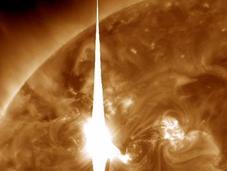 grande tempesta solare degli ultimi cinque anni arriva oggi sulla Terra